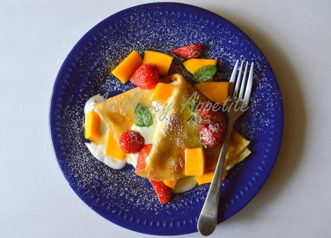 Coconut milk crepes with greek yogurt, fresh fruits and honey recipe