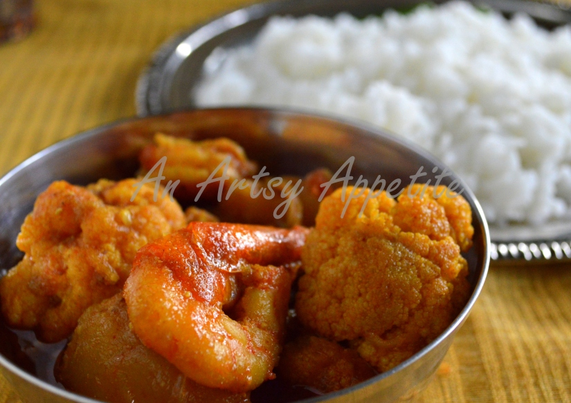 Indian Shrimp Potato and Cauliflower Curry ~ Phulkopi Chingri Recipe