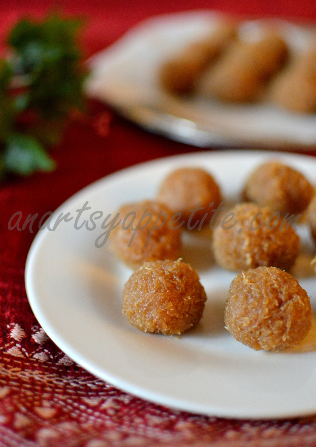 Naarkel Naru, Coconut balls with Nolen Gur Recipe