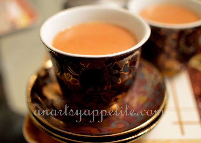 Food in Kolkata - homemade recipes , bengali food recipes, food in bengali homes, tea, chai, tea and biscuits