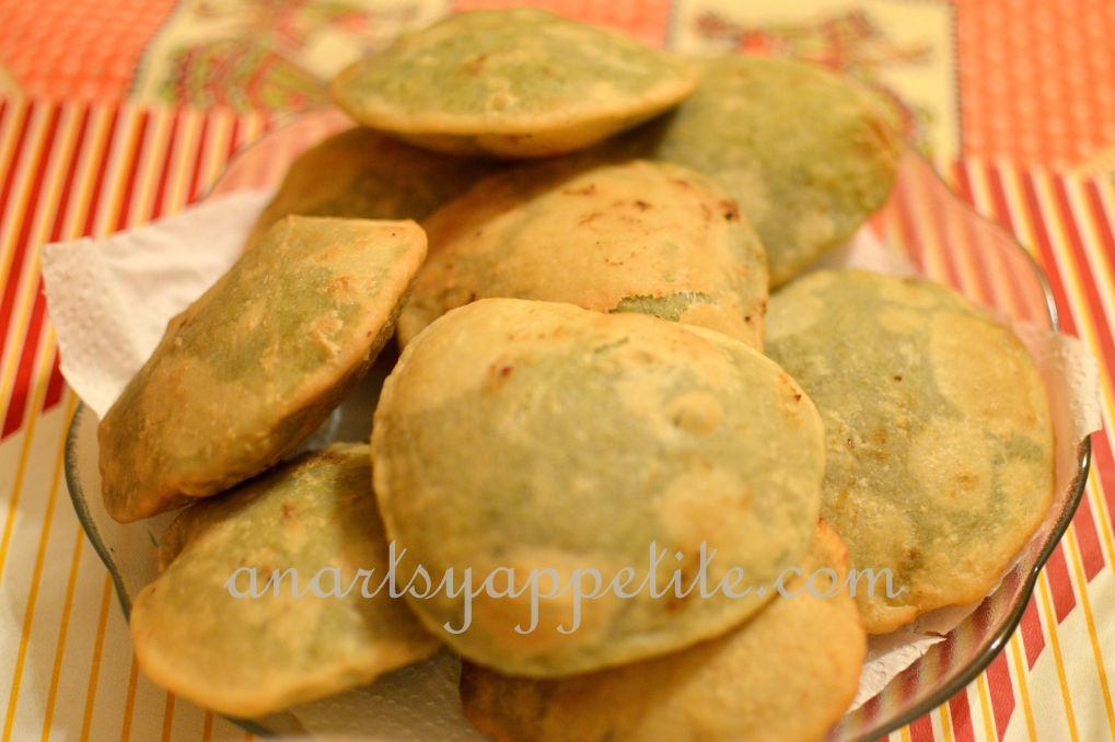 Food in Kolkata - homemade recipes , bengali food recipes, food in bengali homes, koraishutir kochuri