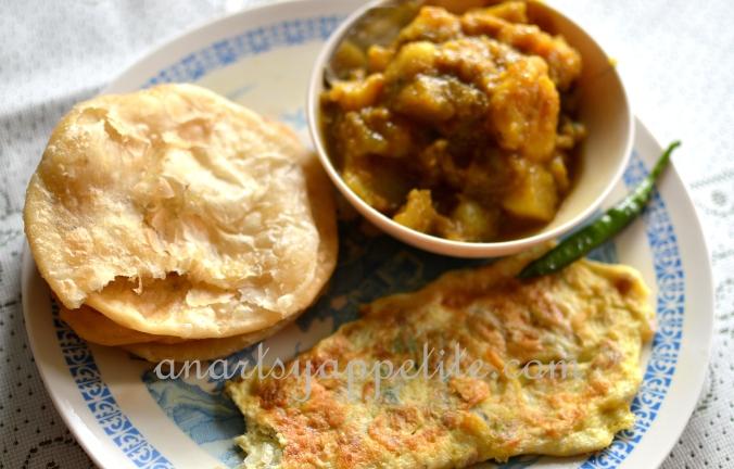 Food in Kolkata - homemade recipes , bengali food recipes, food in bengali homes, breakfast, kachuri alu-r dum