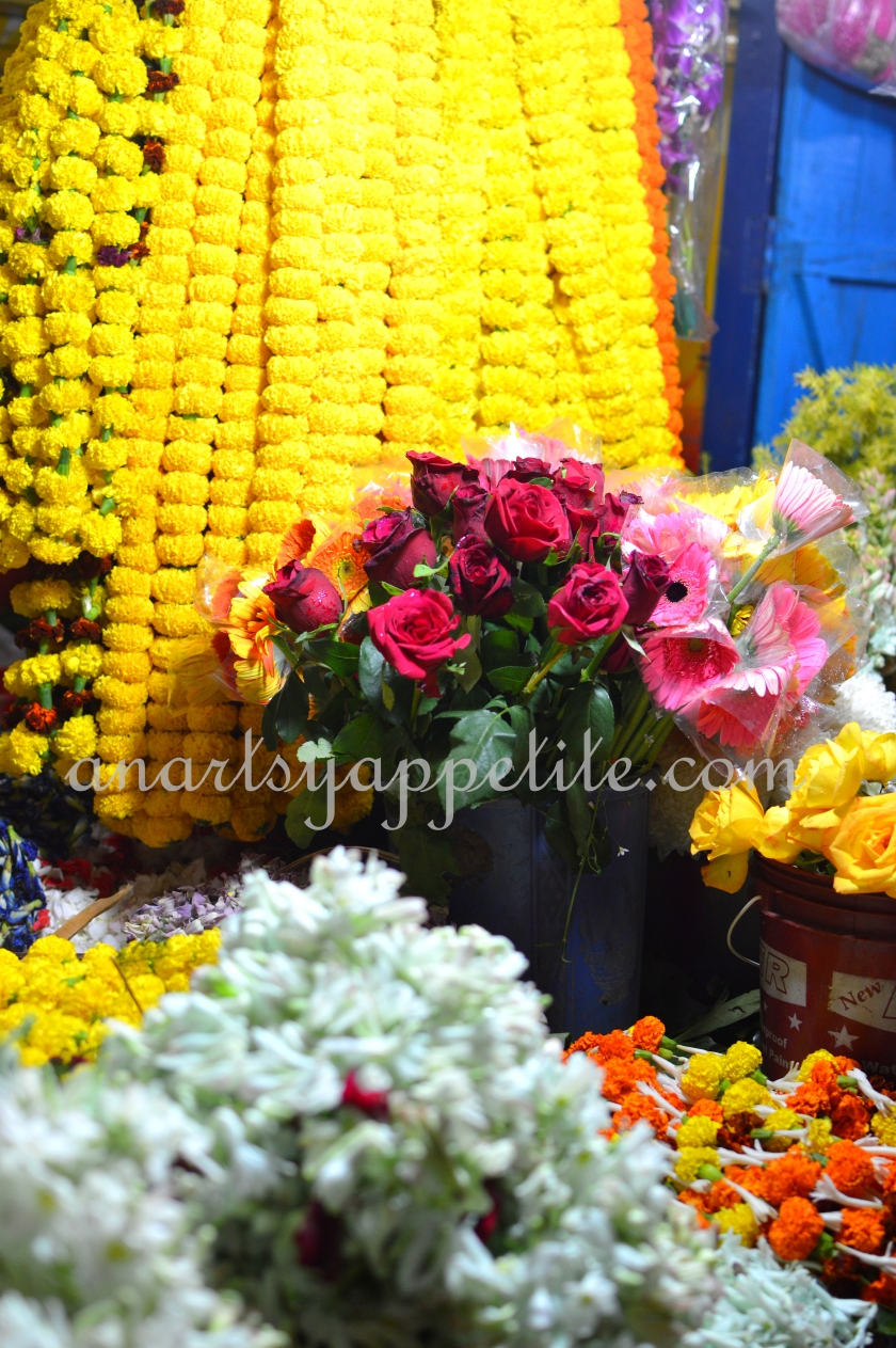 Kolkata winter and food, restaurant food in Kolkata, Kolkata eating , chinese food , phuluri , phuchka, golgappas, flower shop