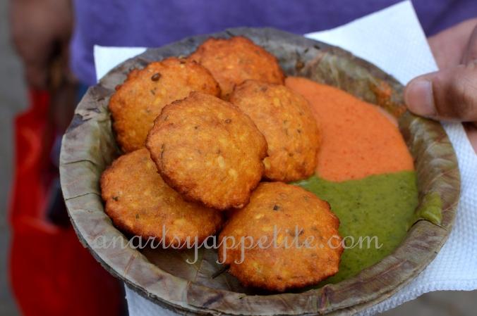 Kolkata winter and food, restaurant food in Kolkata, Kolkata eating , chinese food , phuluri