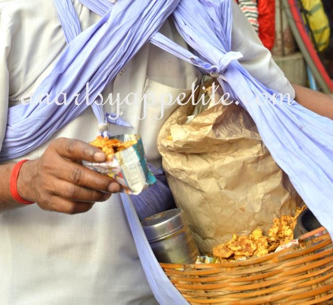 Kolkata winter and food, restaurant food in Kolkata, Kolkata eating , chinese food , phuluri, chola chyapta kolkata, kolkata street food